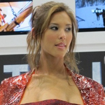 Wait, WHAT?! Total Recall Actress Displays Prosthetic Chest At Comic-Con